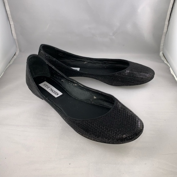 4b704f16364 Steve Madden Women's Kinky Black Sequence Flats.
